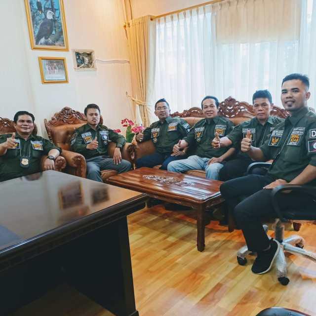 Teks Foto: Jajaran pengurus DPP LSM Martabat Indonesia (istimewa)