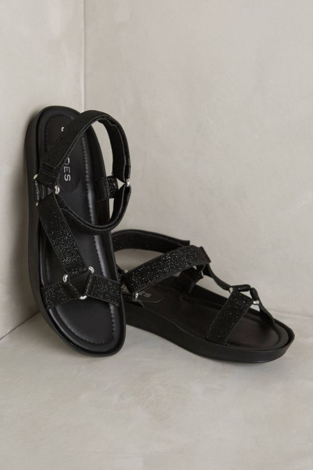 Versa Sandals