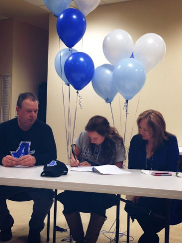 Jexi Williams signs with Assumption College