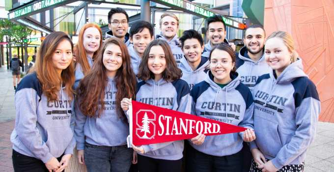 Top 10 Colleges of Hot and Smart Students