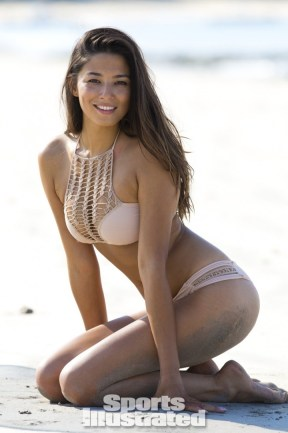 Jessica-Gomes -SI-2014-Sports-Illustrated-2014-Swimsuit-Issue--02-720x1084