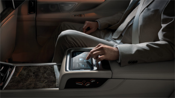 2017 BMW 750i Backseat Touchpad