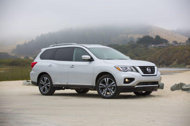 2018-Nissan-Pathfinder-Exterior-Passenger-Side