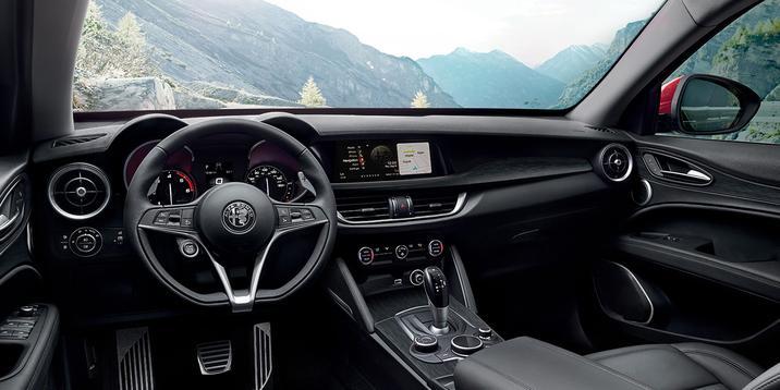 Alfa Romeo Stelvio (Interior)