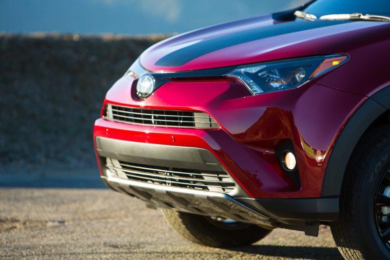 2018 Toyota RAV4 - Exterior Front