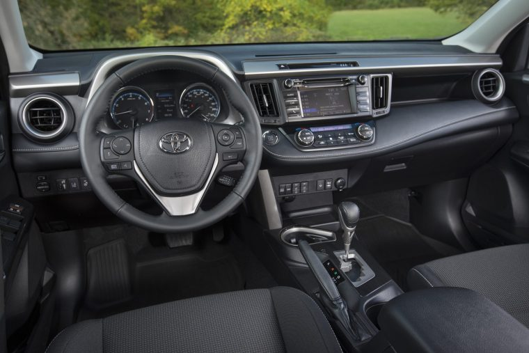 2018 Toyota RAV4 - Interior Cockpit