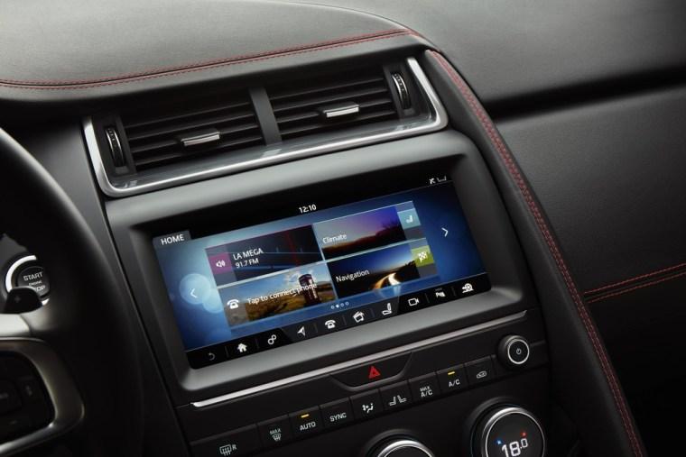 2018 Jaguar E-Pace - Interior Infotainment