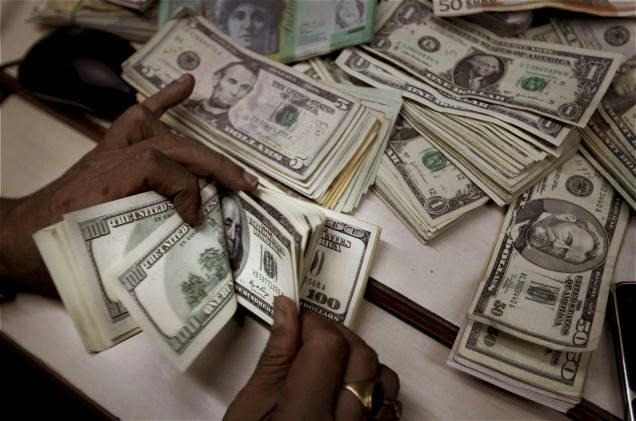 Nigerian's foreign-reserve falls
