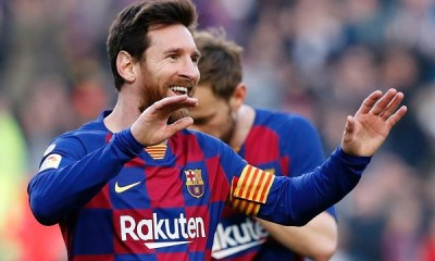 Messi hands in Barcelona transfer request