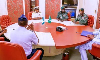 Buhari-meets-service-chiefs