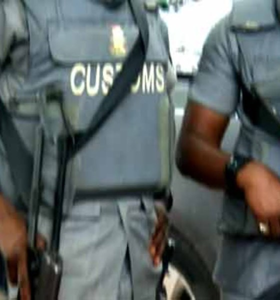 Ogun: Two hoodlums feared dead, one arrested as smugglers attack Customs -TopNaija.ng