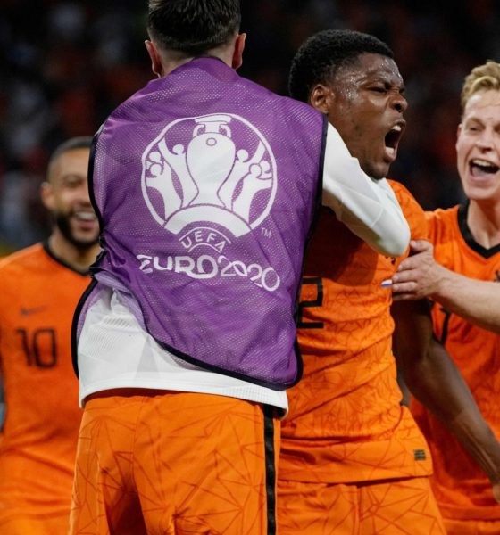 Netherlands beat Ukraine 3-2