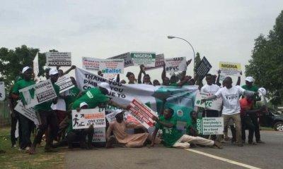 pro buhari protesters june 12