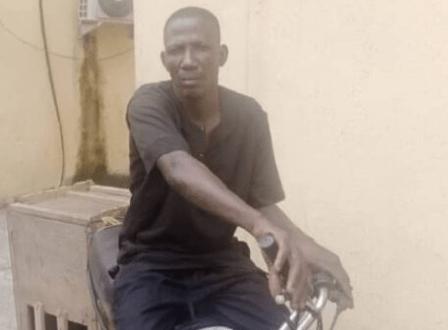 Lagos police arrest man while riding a police bike stolen during #EndSARS crisis (photo)