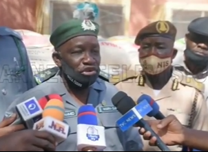 We gave seven bags of rice to bandits to save our lives - Customs officer (video)