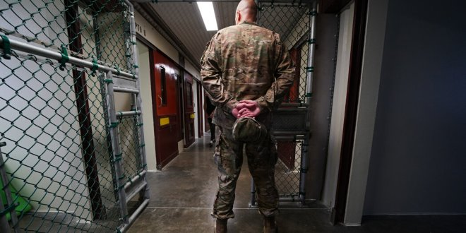 U.S. to Begin Offering Vaccines to Detainees at Guantánamo Bay