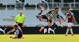 West Ham fans react to Craig Dawson display against Newcastle   Sportslens.com