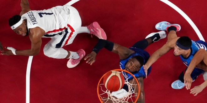 France shocks US to end 25-game Olympic basketball win streak