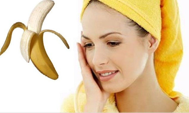 You Would Stop Throwing Away Banana Peels After Reading Its Benefits To Your Skin