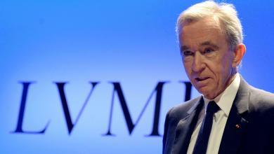 Louis Vuitton owner Bernard Arnault supplants Jeff Bezos as the richest man in the world