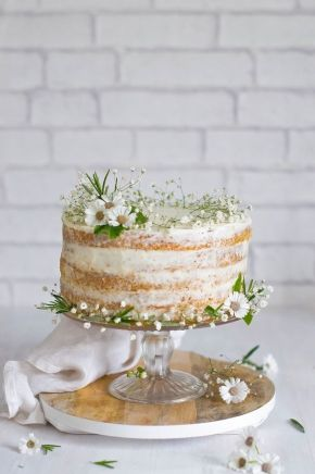 small-wedding-cake-daisy