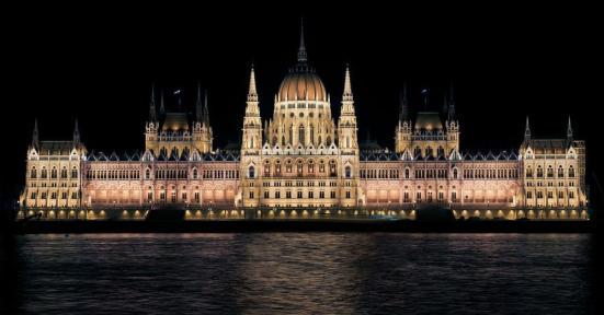 hungarian-parliament-335130_1280