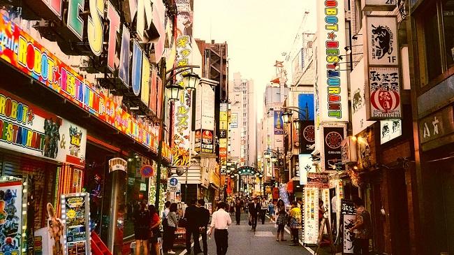 โรงแรม ที่พัก แคปซูล ชินจูกุ ถูก ใกล้สถานี Shinjuku Capsule Hostel topofhotel toptenhotel 650 x 365