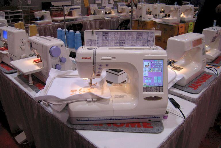 types-of-sewing-machine