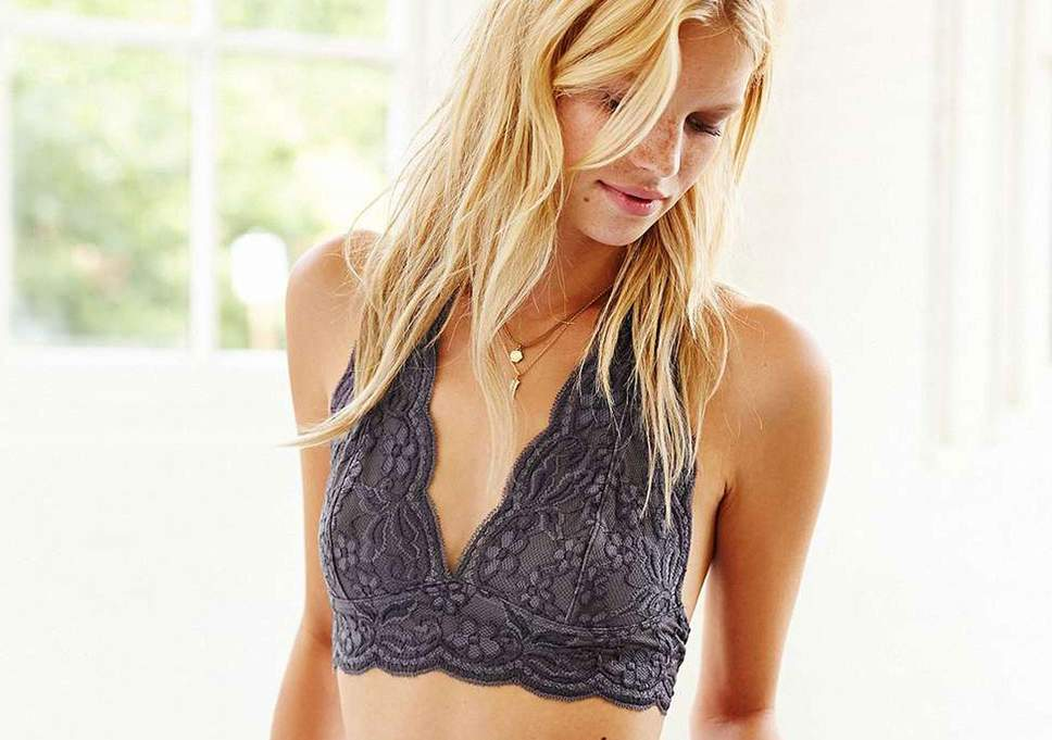 bralette-vs-bra-what-is-a-bralette