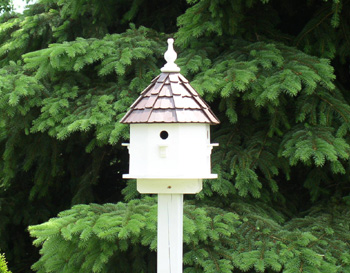 Using Birdhouses for Garden Architecture