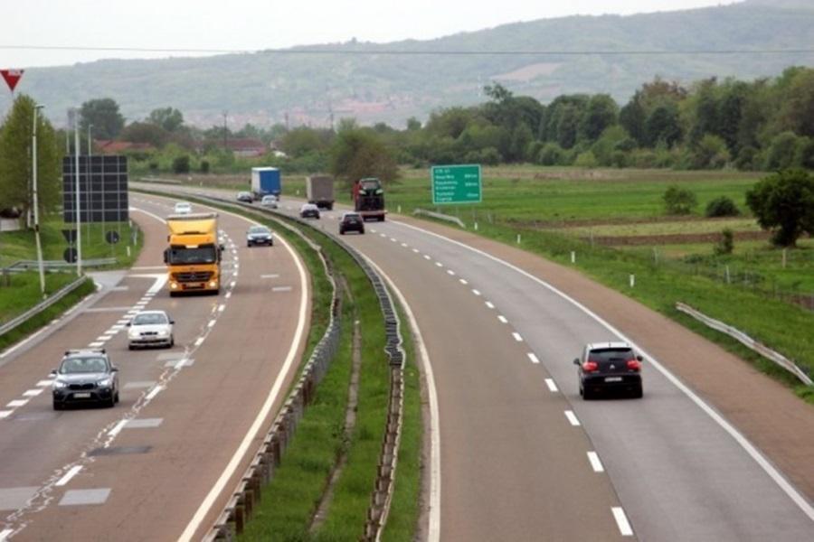 ОД 1. ЈУНА: На аутопутевима дозвољено 130км/х, измена ознака до августа