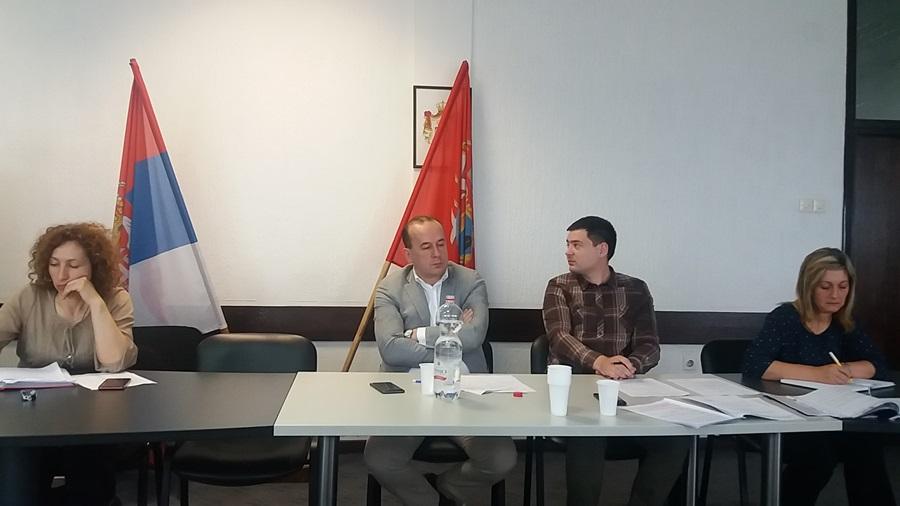 """Одборници усвојили Предлог уговора о приватно – јавном партнерству """"Одржавање сеоских гробаља"""" за општину Топола"""