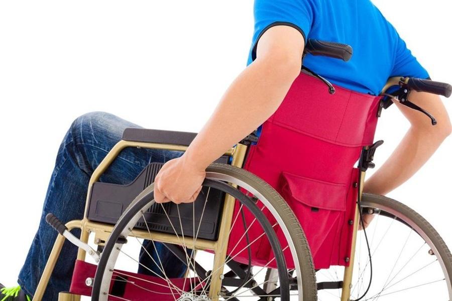 На јавним радовима у Шумадији запослено 110 особа са инвалидитетом