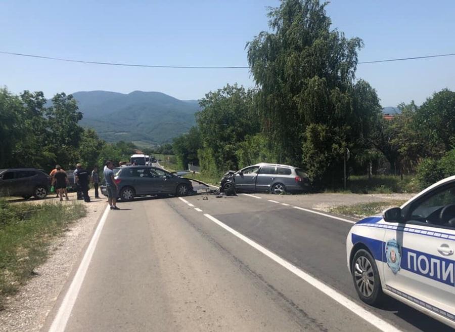 У саобраћајној несрећи повређен возач председника СО Топола
