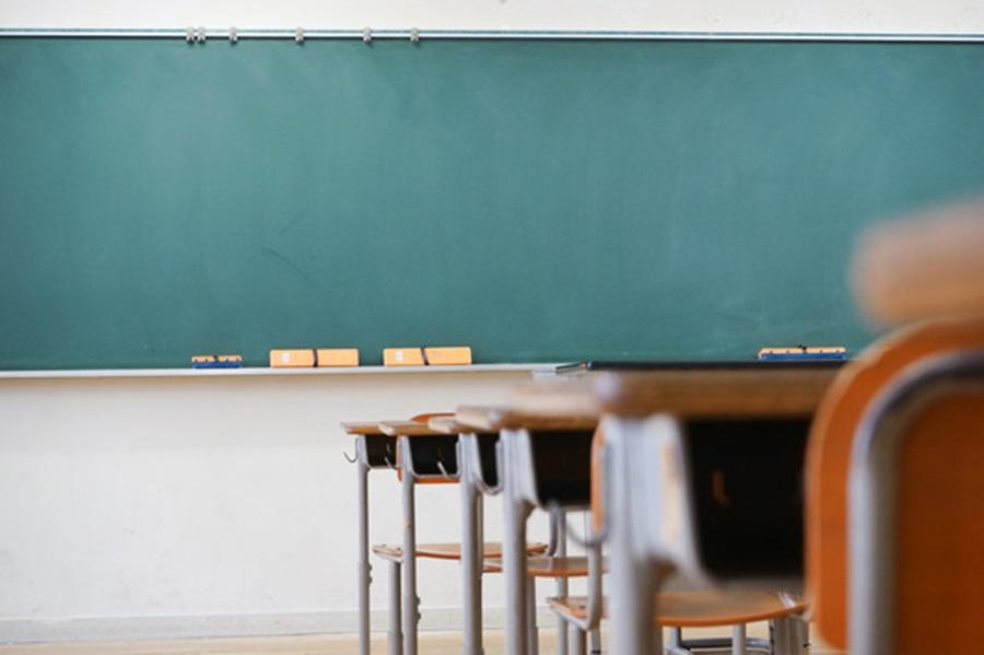 Просветари и ове године најавили штрајк првог дана школе
