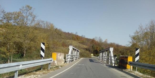 Мештани блокирају пут Рудник – Топола