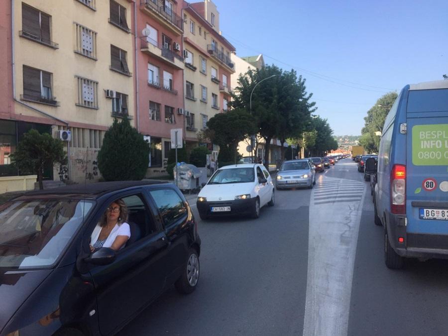 Више од милион аутомобила не испуњава еко-стандарде: Престаје увоз половњака у Србији