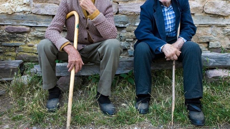 Најновије мере за пензионере у Србији: Од сутра ће у куповину и шетњу моћи у овим терминима