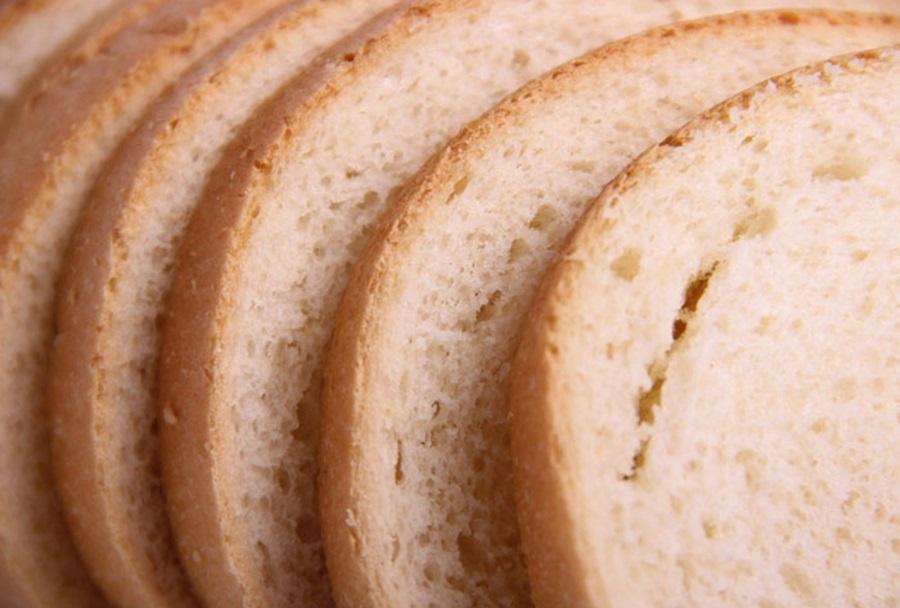 Србија удвостручила увоз хлеба, векне стижу из Румуније, Немачке…