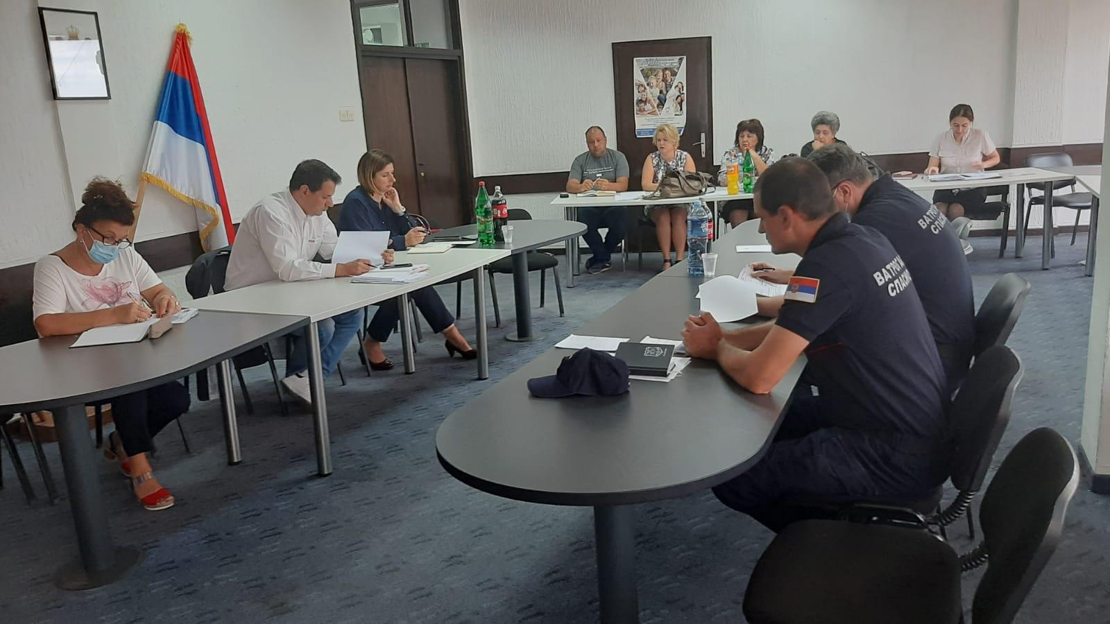 Заседао Штаб за ванредне ситуације у Тополи: Стижу алге за депонију у Торовима, ситуација са водоснабдевањем и даље неповољна