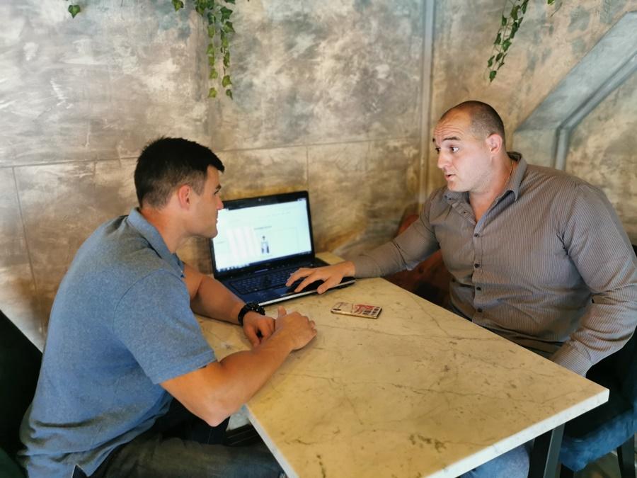 Двојица младића из Чачка покренула јединствен сајт у Србији, умрлице окачене на бандеру  ће постати прошлост