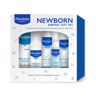 mustela newborn arrival gift set with 5 essential products formulated with avocado perseose for baby's delicate skin