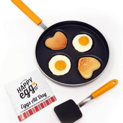 Happy Egg Company pan by Choosy Chef heart and circle shaped egg pan