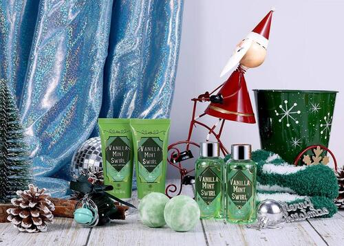 Bath Spa Christmas Gift Set for Women by Body and Earth
