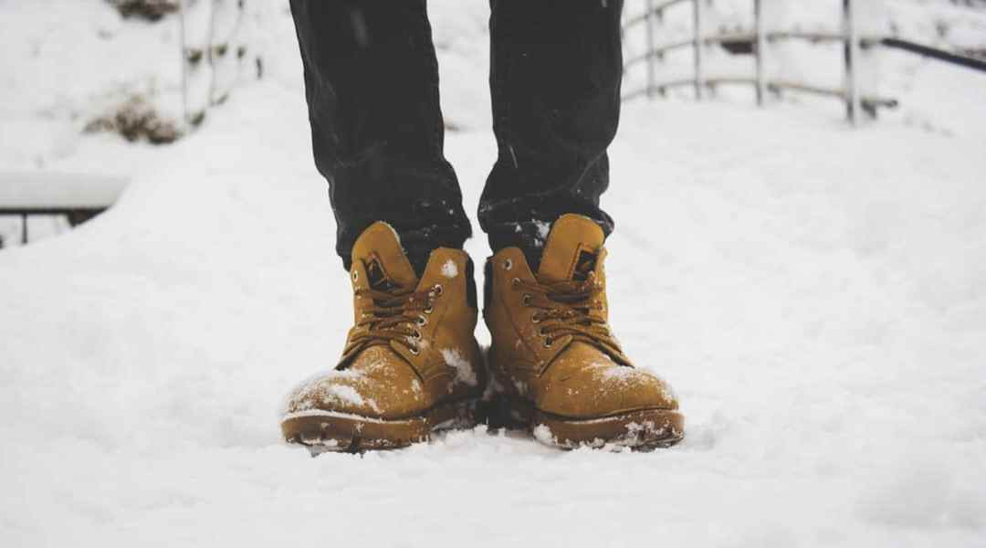 Can you wear leather boots in the snow?
