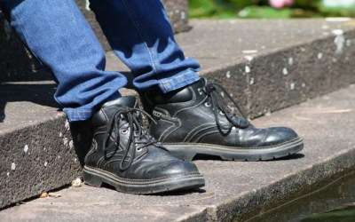 Best Non Slip Work Shoes: Reviews & Guide
