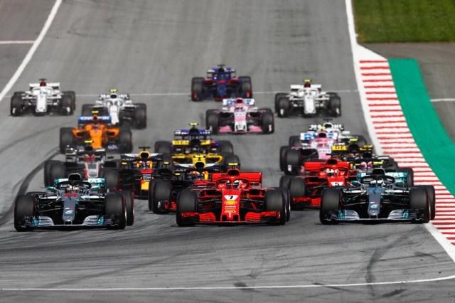 Raikkonen tra le Mercedes da 9 in pagella