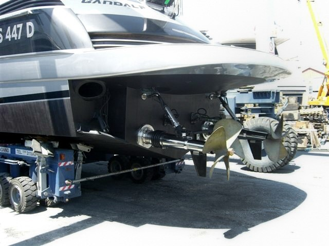 Application Surface Drive Top System TS 75P on Pershing 50