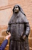 Nun with shiny finger, Santa Maria Mayor Church