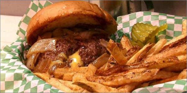 Casper's & Runyon's Nook burger